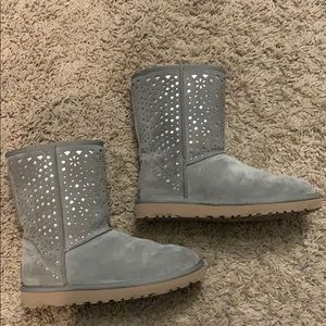 EUC UGGS WITH PERORATED DESIGN